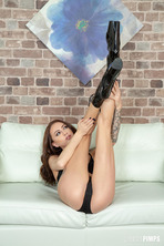 Kendra Cole Loves Squirting 03