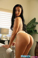 TEEN STEP SISTER MILA WANTS TO SUCK IT 06