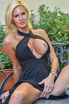 Hot Blonde Milf Jewel