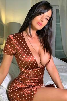 Hot Insta Babe Eva Padlock