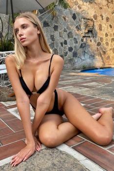 Hot Babe Polina